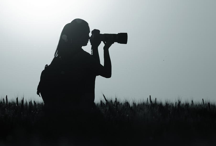 gazeteci-kadın